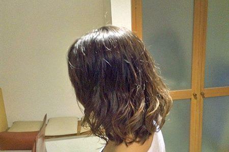 毛先のはねが気になったら、こんなパーマはいかがですか。