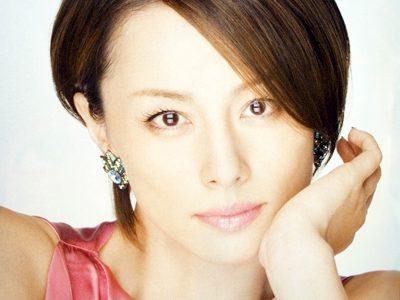 米倉涼子さんの新しい髪型が人気上昇中です。