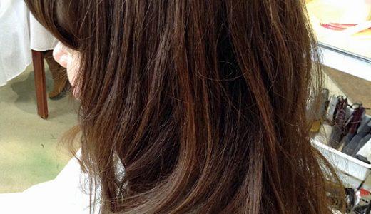 春の新色「イノセントアイスブルー」。赤味が強く出やすい髪に!